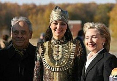 220px-RIAN_archive_477235_U.S._Secretary_of_State_Hillary_Clinton_visits_Tatarstan.jpg